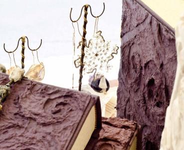 серьги с сухими цветами обрамленный по периметру золотым золотой пыли. Альбом фотографий из папье-маше.